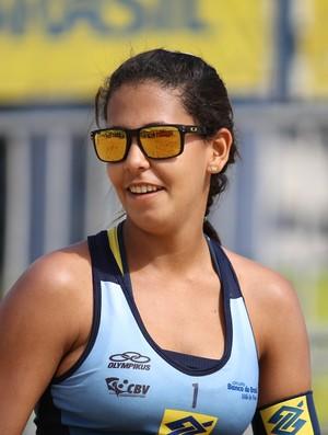 Com apenas 15 anos, Duda é uma das estrelas da nova geração do vôlei de praia (Foto: Paulo Frank/CBV)