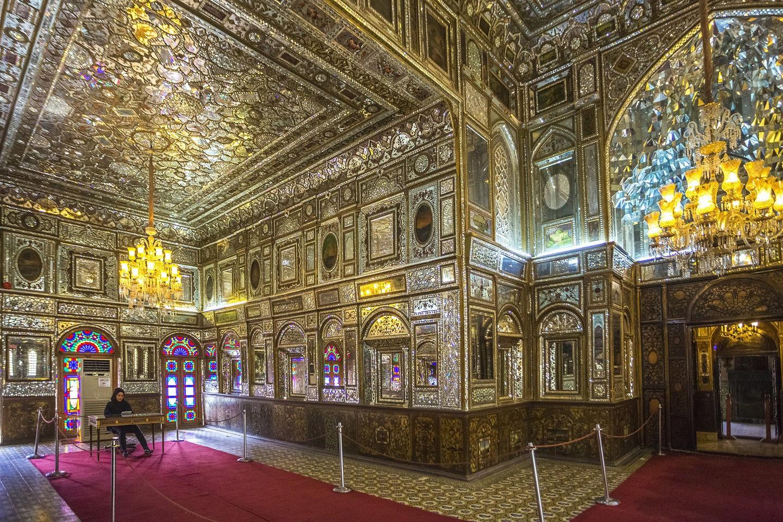 Interior do Palácio de Golestan, em Teerã (FOTO: REPRODUÇÃO)