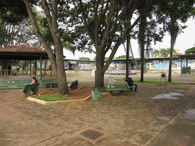 A Praça do Cidadão fica no centro de Ceilândia e é referência de ponto de encontro na região (Foto: Luciana Amaral/G1)