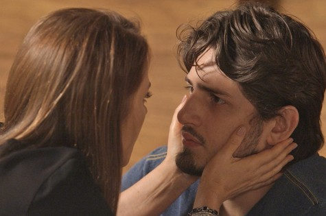 Lili (Vivianne Pasmanter) e Rafael (Daniel Rocha) (Foto: Reprodução TV Globo)