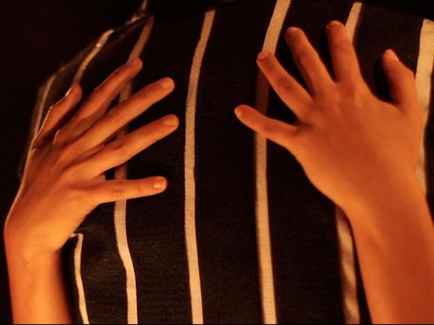 Performance Roupa de Abraço, de Cristiane Soares (Foto: Divulgação)