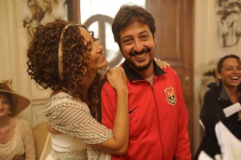 Camila Pitanga e o diretor Cristiano Marques (Foto: Estevam Avellar/ TV Globo)