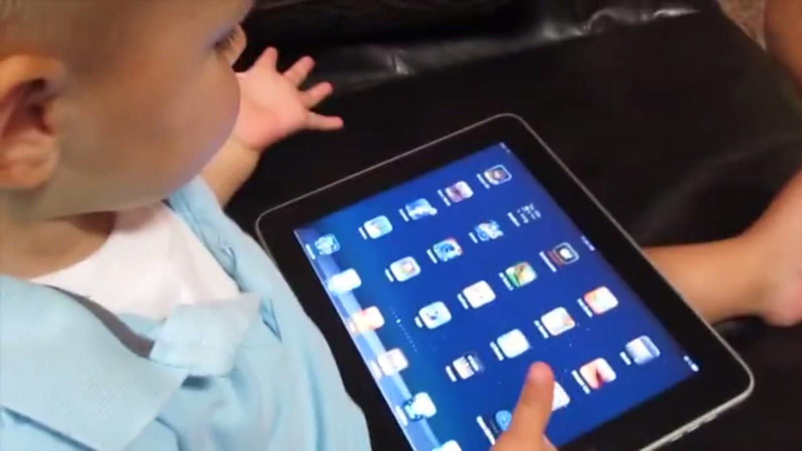 Cerca de 40% das crianças menores de 2 anos já utilizaram dispositivos móveis, aponta estudo (Foto: Divulgação)