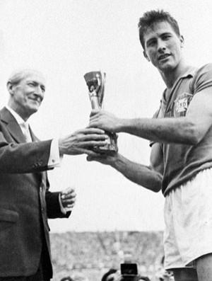 Bellini Taça Jules Rimet 1958 (Foto: Agência Estado)