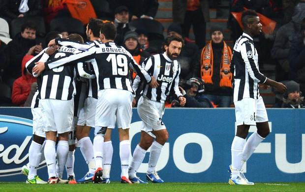 Comemoração da Juventus contra o Shakthar Donestk (Foto  Agência ... 556d2d661fe41