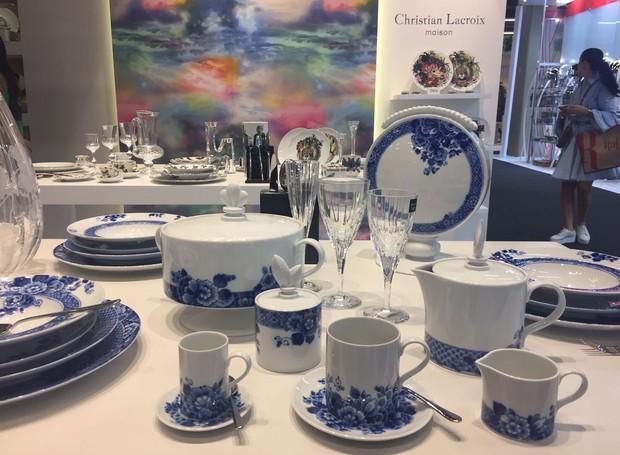A coleção Blue Ming, assinada por Marcel Wanders para Vista Alegre, tem peças inspiradas na Holanda do século XVI (Foto: Casa e Jardim)