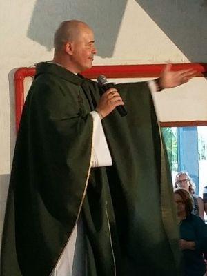Padre foi excomungado da Igreja Católica (Foto: Alexandre Azank / TV TEM)