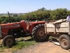 Ladrão invade propriedade rural e foge com trator cheio de objetos furtados