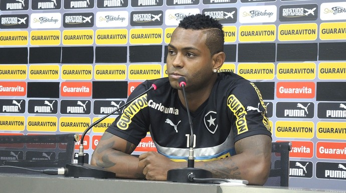Jobson, coletiva Botafogo (Foto: Marcelo Barone)