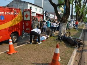 Ação contou com simulação de acidente (Foto: Magda Oliveira/G1)