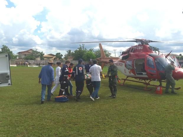 Acidente com Kombi escolar mata duas crianças e fere onze na GO-173, em Goiás (Foto: Divulgação/Corpo de Bombeiros)