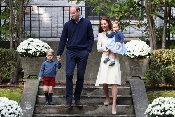 Família real inglesa durante visita ao Canadá (Foto: Getty Images)
