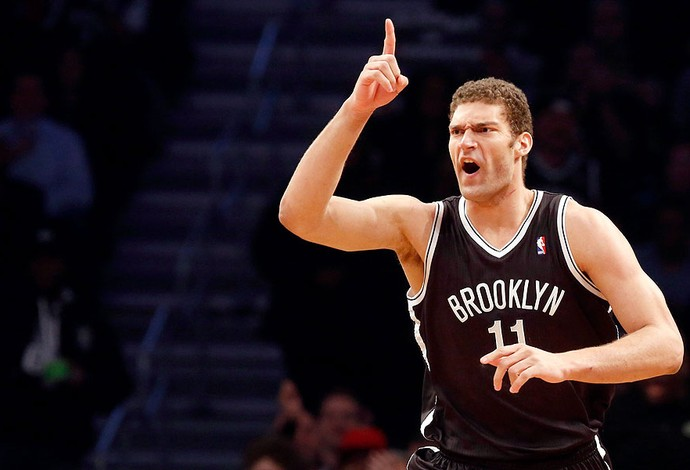Brook Lopez comemoração NBA Brooklyn Chicago (Foto: Reuters)