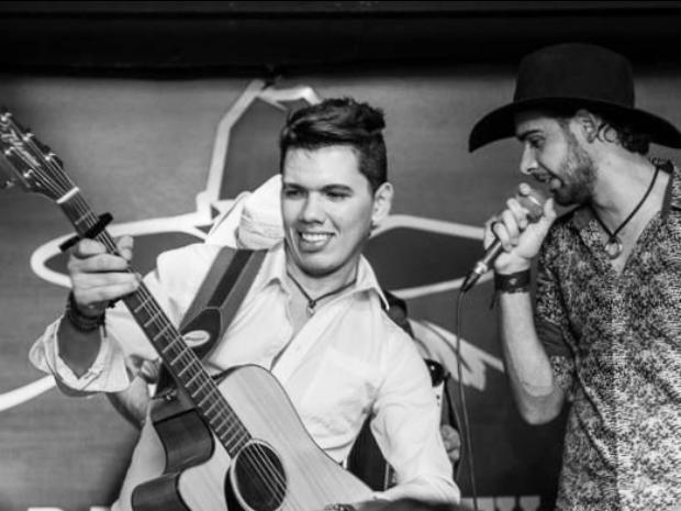Ramiro e Rafael fazm primeiro show na cidade branca (Foto: Arnaldo Muniz/ Divulgação)