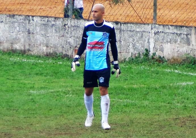 Chico agora é o goleiro EC Milionários, time amador de Cariacica (Foto: Arquivo Pessoal)