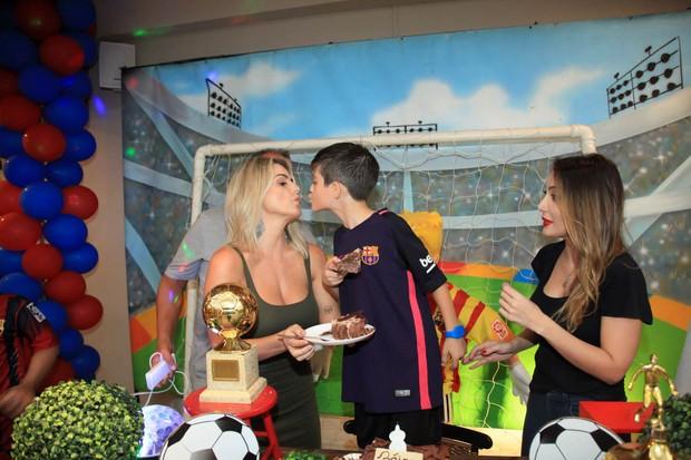Mari Alexandre, Záion e Tainá (Foto: Marcos Ribas/Brazil News)
