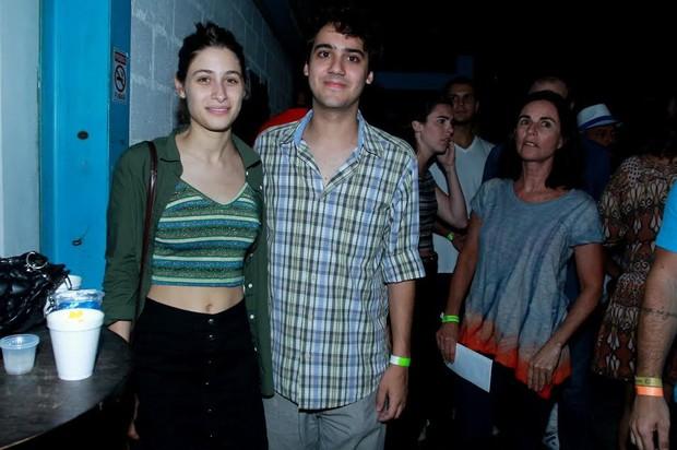 George Sauma com Luisa Arraes em noite de samba no Rio (Foto: Marcello Sá Barreto/Ag News)