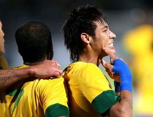 Neymar celebra gol da Seleção (Foto: Mowa Press)