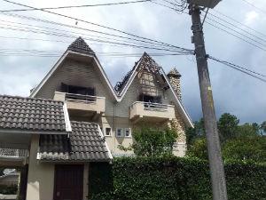 Casa é atingida por raio (Foto: Paulo Siqueira/Vc no G1)