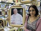 Comércio de Aparecida aposta que 'simpatia' do Papa ajude nas vendas