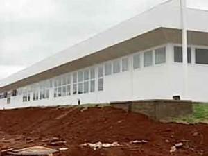 Nova UPA de Patos de Minas, MG, não tem previsão para funcionar (Foto: Reprodução / TV Integração)