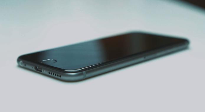 iPhone 6 aparece desmontado em video; veja como deve ser o visual do smart da Apple (Foto: Reprodução/YouTube)