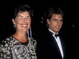 Tom Cruise com a mãe, Mary Lee South (Foto: Getty Images)