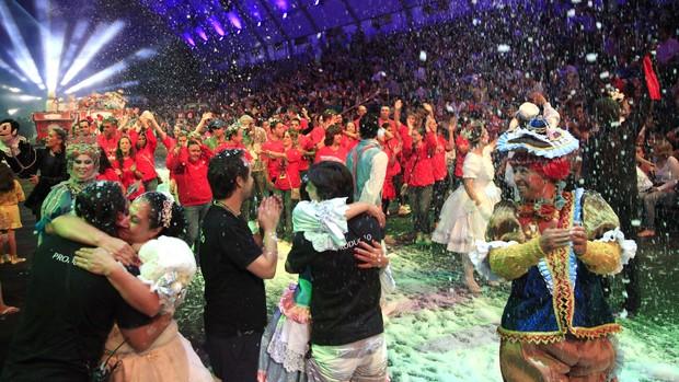 Cinco mil pessoas assistem ao último espetáculo (Cleiton Thiele/Divulgação)