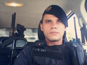 Soldado Ítalo Bruno foi morto no bairro Jardim Carapina, na Serra (Foto: Reprodução/Facebook)