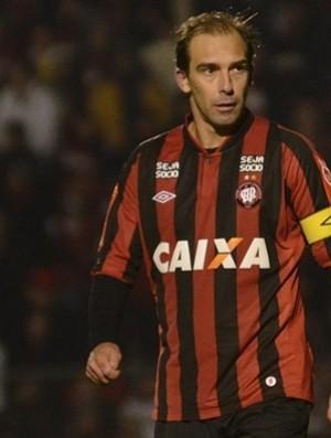 Paulo Baier, meia do Atlético-PR (Foto: Site oficial do Atlético-PR/Gustavo Oliveira)