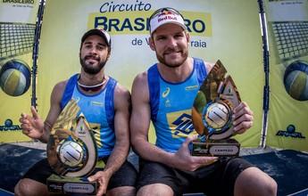 Alison e Bruno controlam campeões brasileiros e levam tetra do Superpraia