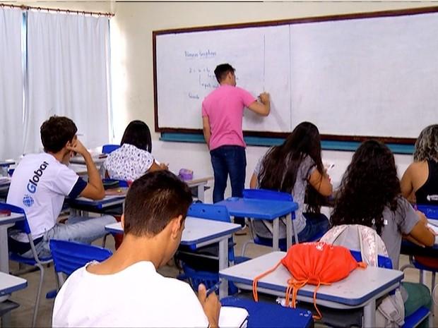 Segundo secret'aria de educaç~ao, reforma do ensino m'edio preocupa Estado  (Foto: Reprodução/TV Anhanguera)