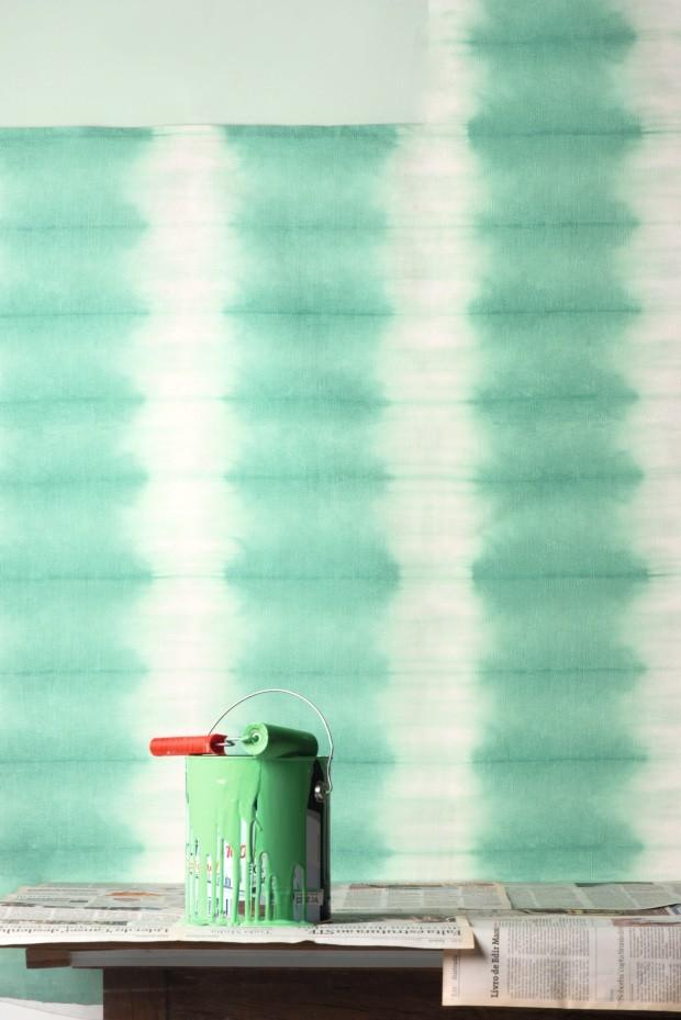 Papel de parede Savine Jade, da Empório Beraldin (Foto: Iara Venanzi / Editora Globo)