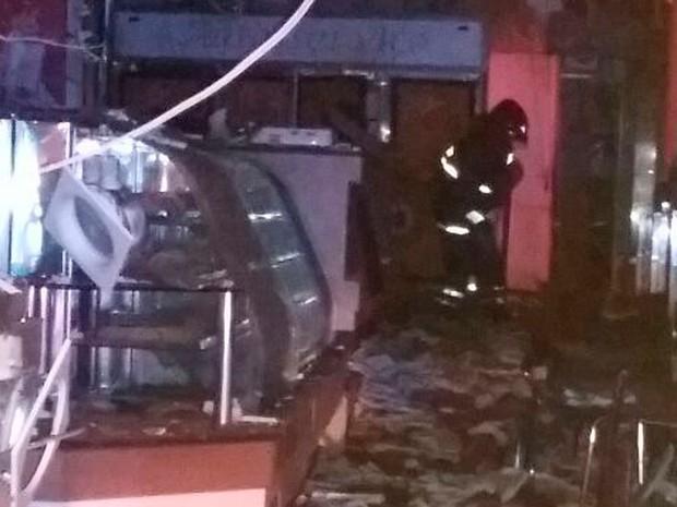 Lanchonete ficou destruída após explosão em Juazeiro (Foto: Divulgação / Corpo de Bombeiros)