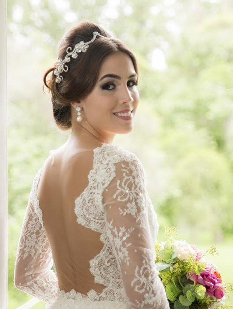 Pérola Faria posa para a revista 'Real noivas' (Foto: Heitor Carlos)