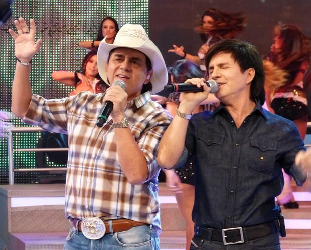 Chitãozinho e Xororó no Domingão do Faustão (Foto: Domingão do Faustão / TV Globo)