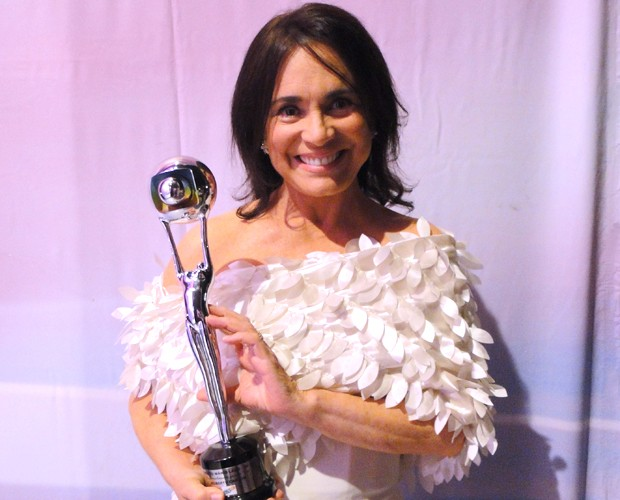 Regina Duarte recebeu oTroféu Mário Lago em 2011 (Foto: Domingão do Faustão / TV Globo)