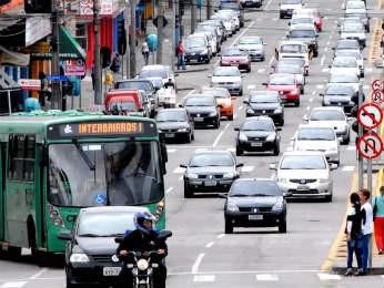 Curitiba é a cidade com mais veículos, segundo o Detran (Foto: Divulgação/AEn)
