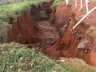 Chuva causa enxurrada e rachaduras em casas de Aparecida de Goiânia