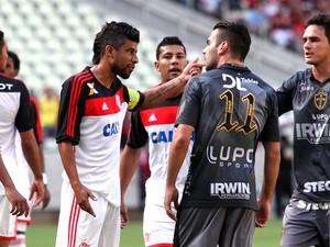 Partida entre Portuguesa e Flamengo na Arena Castelão (Foto: LC Moreira/Agência Estado)