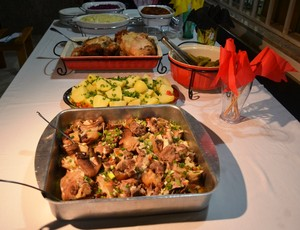 Pratos tipicos da comida alemã, como o repolho roxo com porco (Foto: divulgação)