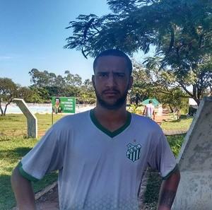 Rafael Almeida, zagueiro, Uberlândia (Foto: Gullit Castro)