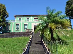 Colégio Dom Amando, fundado em 1942 (Foto: Karla Lima/G1)