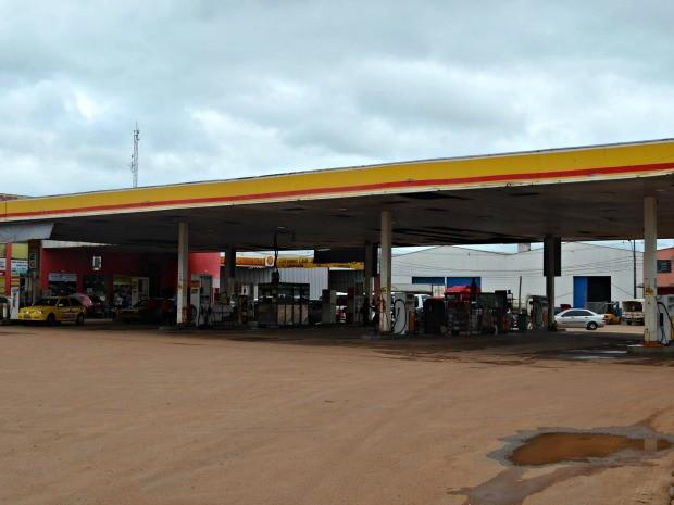 Empresário conta que, devido ao medo, posto de combustíveis 24h é fechado durante a madrugada  (Foto: G1)