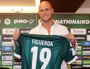 Lucho Figueroa apresentação Panathinaikos (Foto: Divulgação/Site Oficial do Panathinaikos)