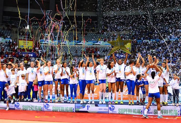 vôlei Rio de janeiro troféu campeão superliga (Foto: Marcelo Fonseca / Agência Estado)