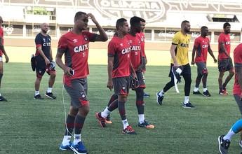 Com dúvida entre Carlos Alberto e Gedoz, Atlético-PR treina no Paraguai