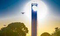 Internauta fotografa obelisco durante fenômeno do equinócio em Macapá (Manoel Raimundo Fonseca/VC no G1)