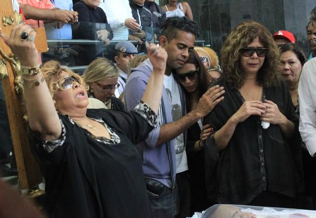 Família e amigos velam o corpo de Jair Rodrigues (Foto: Celso Tavares/ EGO)