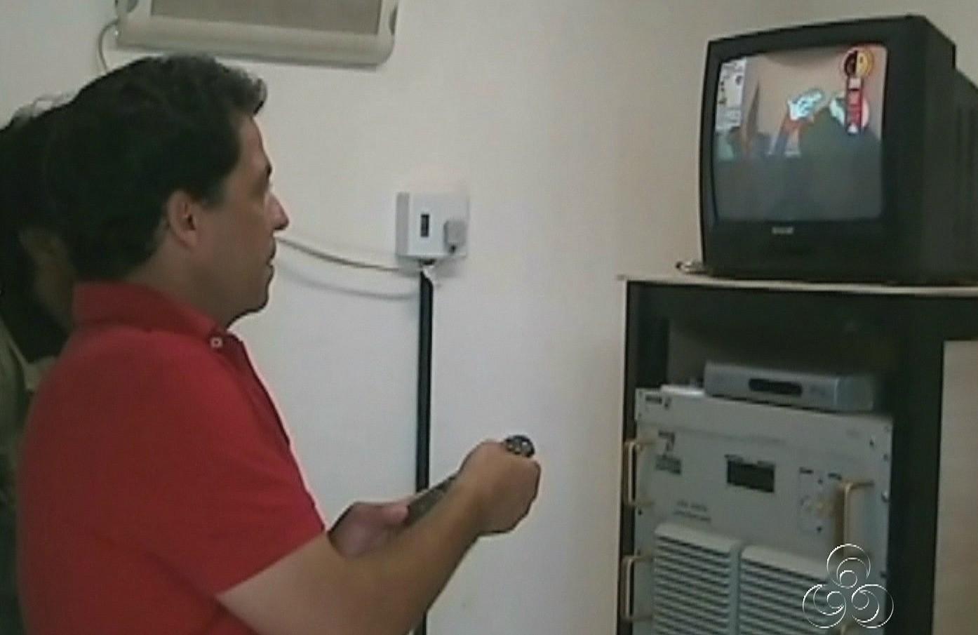 Agora, moradores de Benjamin Constant assistem aos programas da TV Amazonas (Foto: Jornal do Amazonas)